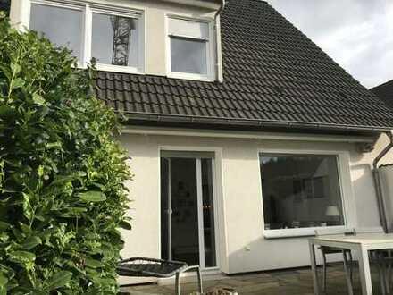 Traumhaus mit großem Garten und Garage in Mülheim Heißen