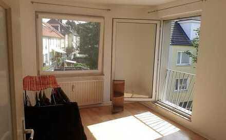 Helles 13qm Zimmer mit französischem Balkon in gemütlicher 2er-WG nahe der Uni Essen