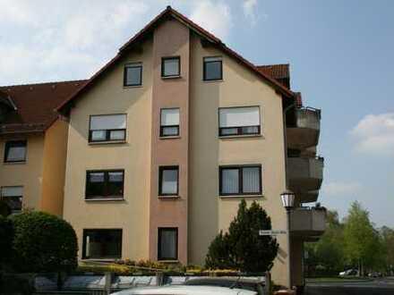 Gepflegte 3-Zimmer-DG-Wohnung mit Balkon in Baunatal
