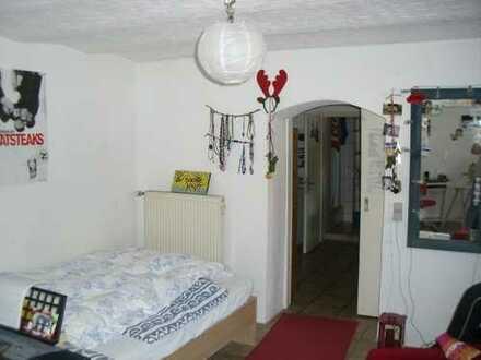Vermietung einer 2-3 Zimmer Wohnung in zentraler Lage der Altstadt (wenige Meter von der Unibiblioth