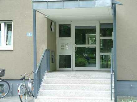 Frisch renoviert! Große 3 Zimmer Wohnung zum kleinen Preis in gefragter Lage von Neuburg