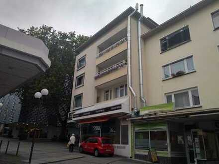 Höll-Immobilien: 3 Zimmerwohnung im Zentrum mit Balkon