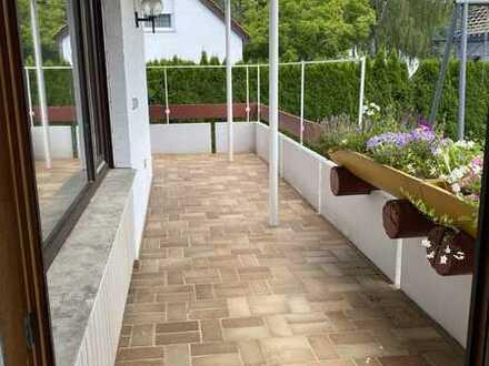 Teilmodernisierte 4 1/2-Zimmer-Wohnung mit Balkon in Winnenden