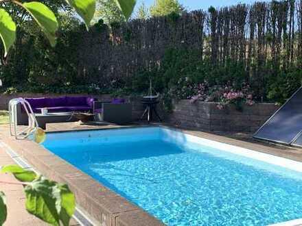 Hösbach - Exklusive Einfamilienvilla im Sylt-Style in Ortsrandlage mit Pool