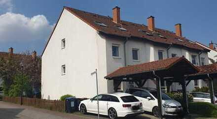 Schönes Reiheneckhaus mit 152 m2 Wohnfläche und Parkett sowie Dachterrasse