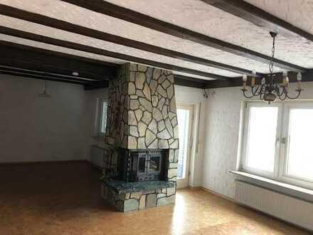 Gepflegte 2,5-Zimmer-Wohnung mit Balkon und Einbauküche in Miltenberg