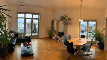 Exklusive 3-Zimmer-DG-Wohnung mit Balkon und Einbauküche in Ottobrunn