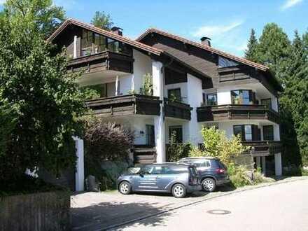Schöne DG-Wohnung in kleiner Wohnanlage mit Südbalkon (inkl. Bergblick) in ruhiger Lage (Sackgasse)
