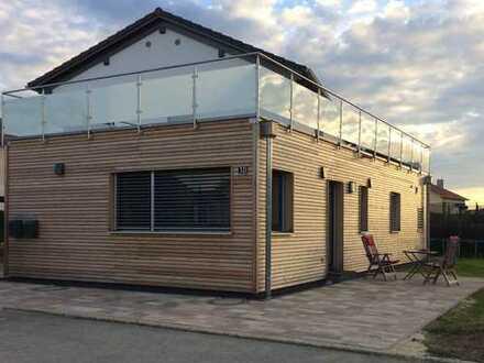 Stilvolle, möblierte 1-Zimmer-EG-Wohnung in Schernfeld