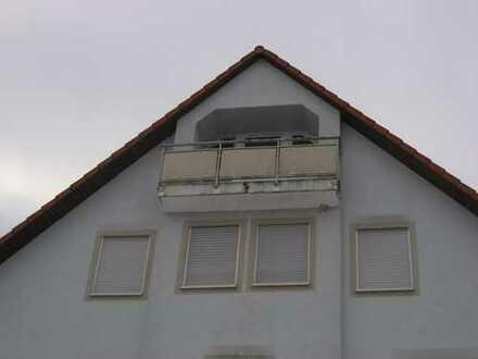Preiswerte, gepflegte 1-Zimmer-Dachgeschosswohnung mit Balkon in Rippershausen