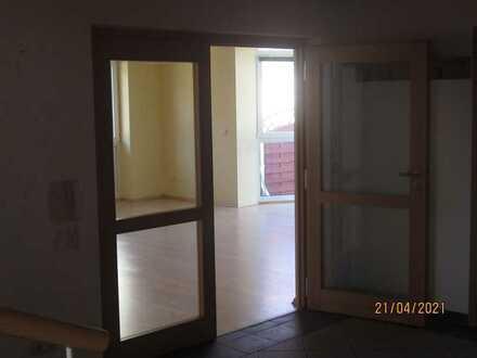 Preiswerte 4-Zimmer-Maisonette-Wohnung mit Balkon und Einbauküche in Mehlingen