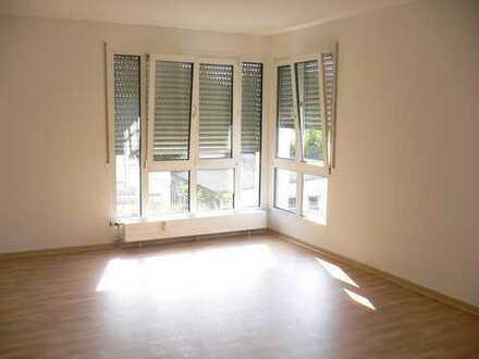 Schöne, helle 2-Zimmer-Wohnung mit Terrasse