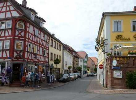 Top Angebot nähe Fußgängerzone in Buchen ! Haus mit Gewerbefläche.