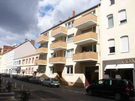 Attraktive 2+1 Zimmer Wohnung mit 2 Balkone in der Oststadt