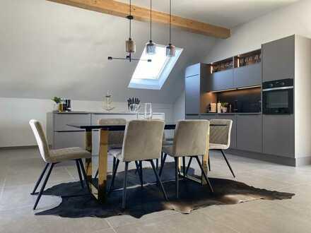 ***Neubau: Exklusive 3-Zimmer Dachgeschosswohnung mit Loggia & EBK***
