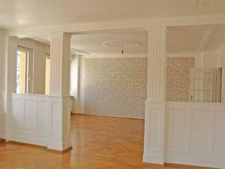 POCHERT IMMOBILIEN - Wunderschöne Altbau-Wohnung in der Innenstadt