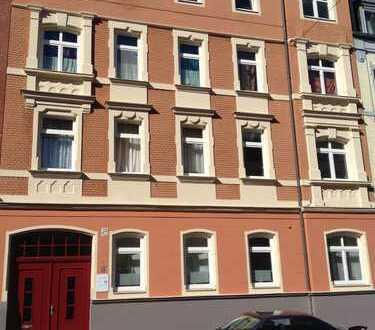 2- Zimmer Wohnung in sanierten Jugendstilhaus