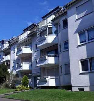 Gepflegte Wohnung mit Garagenstellplatz und Einbauküche in ruhiger Lage in Küppersteg
