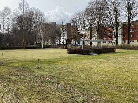 Drost Immobilien - Attraktive Erdgeschosswohnung mit zwei Balkonen Nähe Kuhsee!