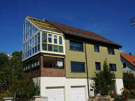 Keine Käuferprovision! 6,5m hoher Wintergarten – 248m² Wohnfläche – herrlicher Garten mit Teich