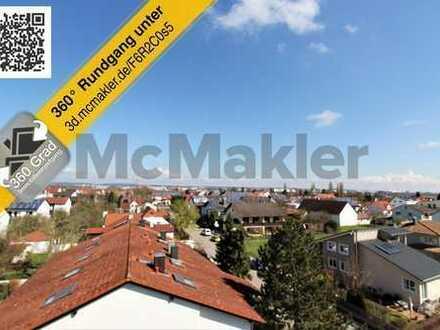 Wohnen über den Dächern mit einmaligem Blick über Friedrichshofen von zwei Balkonen aus!