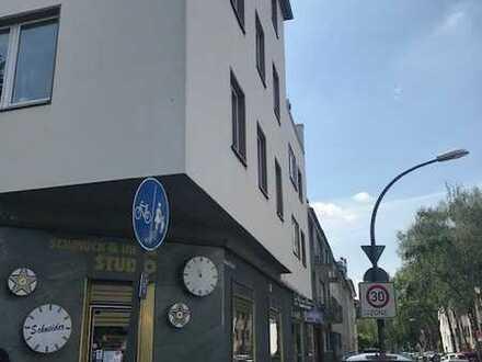 Von privat: Helle 3-Zimmer-Wohnung mit Wohnküche, Braunsfeld