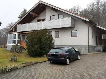 Gepflegte 3,5-Raum-DG-Wohnung mit Balkon in Bartholomä