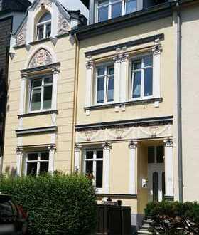 Großzügiges Haus mit schöner Jugendstilfassade, auch für Wohnen und Arbeiten geeignet