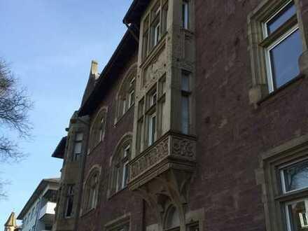 Helle und großzügig geschnittene 8-Zimmerwohnung in Karlsruhe!