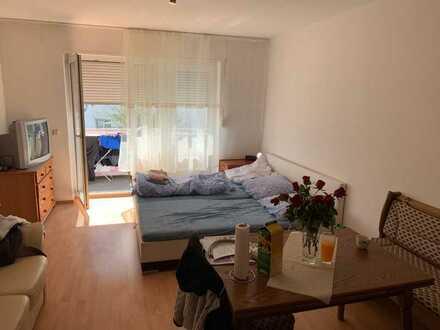 Gepflegte 1-Raum-Wohnung mit Balkon und Einbauküche in Germersheim