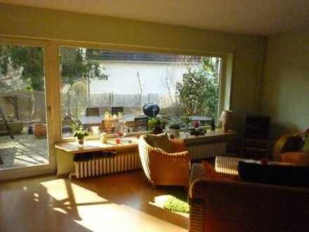 Familienfreundliche großzügige Doppelhaushälfte in Hermsdorf nahe Waldsee!