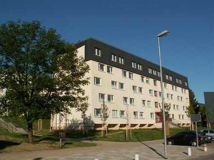 1-Raumwohnung mit Balkon, Badewanne & offener Küche !