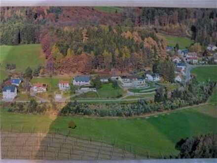 Bauerwartungsland/Rohbauland (aktuell Grünland) für einreihige Hausbebauung