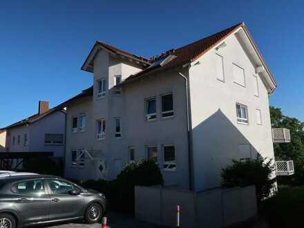 Gepflegte 3-Zimmer-Dachgeschosswohnung mit Balkon und EBK in Bad Rappenau