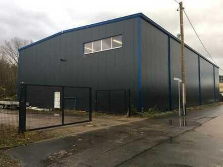 Neu errichtete Gewerbehalle in Wittgensdorf