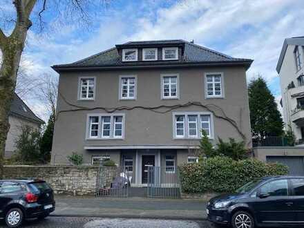 Wunderschöne Dachgeschosswohnung im Villenviertel mit ausgebautem Spitzboden! Baustellenbesichtigung