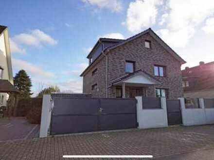 Von Privat: Hochwertiges, komplett saniertes Einfamilienhaus in Wulsdorf