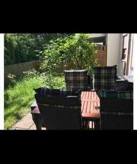 Geschmackvolle 2-Raum-EG-Wohnung mit Terrasse, Garten und Stellplatz in ruhiger Lage