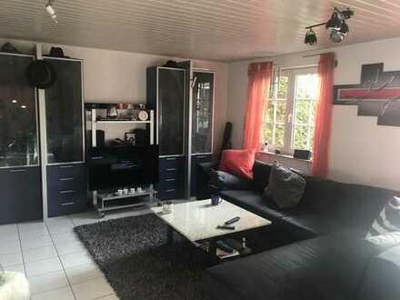 Exklusive, gepflegte 4-Zimmer-Erdgeschosswohnung mit Terrasse und Garten in Holzgerlingen