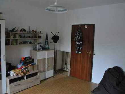 Gepflegte 5-Raum-Erdgeschosswohnung mit Einbauküche in Hohnhorst