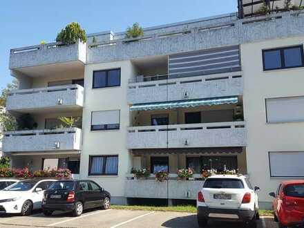 Selten schöne 4,5 Zimmer Eigentumswohnung mit Balkon im 1. OG