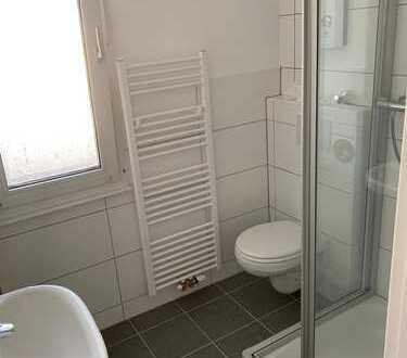 Erstbezug nach Renov - Schöne, helle 3,5-Zimmer Wohnung mit Loggia im Klinikviertel - WG-geeignet