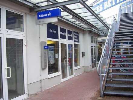Helle Büro- oder Einzelhandelsfläche provisionsfrei direkt vom Eigentümer im Fachmarktzentrum