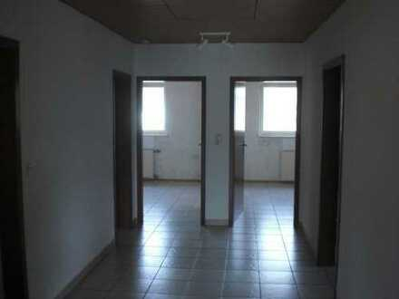 Preiswerte, modernisierte 5-Zimmer-Wohnung mit Balkon in Bockenheim