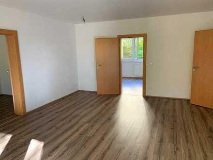 4 Zimmer- hell,freundlich,modern, mit Balkon und Küche