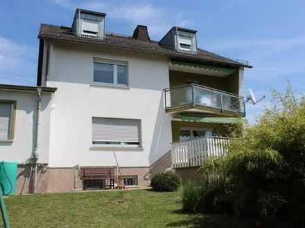 Großes Ein- bis Zweifamilienhaus in schöner Stadtlage, Einzugsgebiet Frankfurt