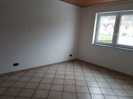Wohnung 2,5 Zimmer Fußbodenhzg.