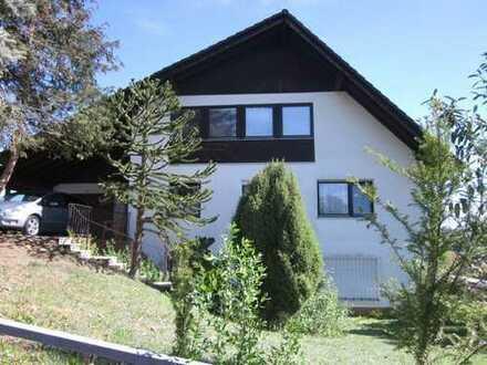 Gepflegtes Zweifamilienhaus mit schönem Garten, Garage und traumhaftem Ausblick in Büdingen- OT!