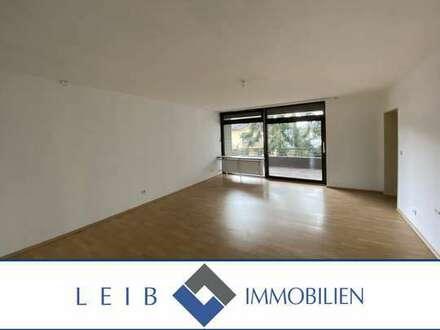 Helle 3,5 Zimmer Wohnung mit Balkon und Garage nähe Klinikum und Firma Brose
