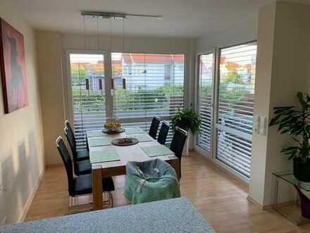 Attraktive 4-Zimmer-Wohnung mit Balkon und Einbauküche in Vaihingen an der Enz